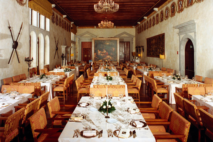 Romantic Castle for large weddings - CV01