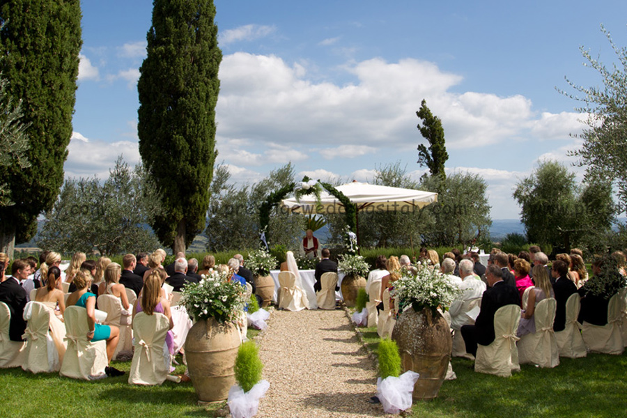 wedding in Italy castle blessing