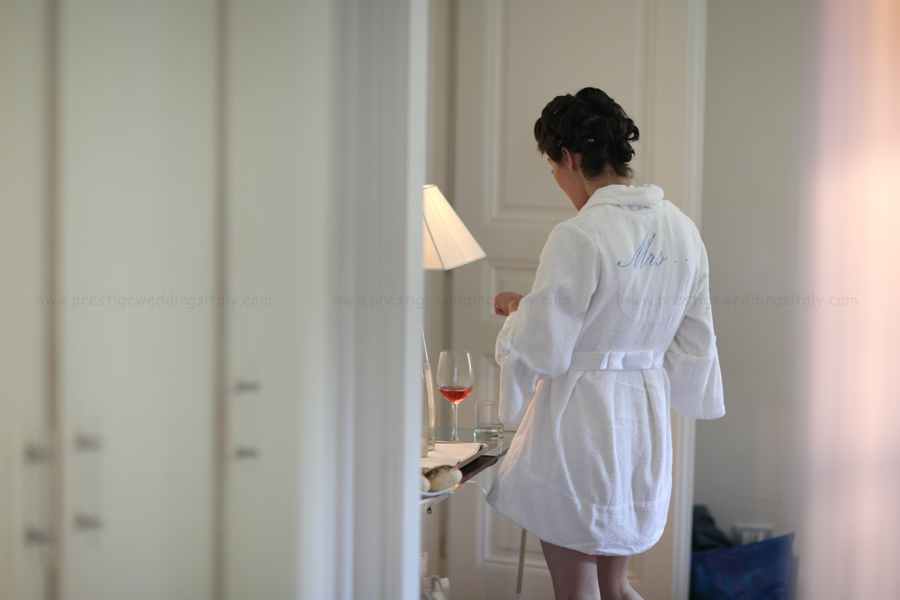 wedding in Italy Florence getting ready