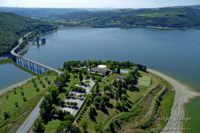 http://www.prestigeweddingsitaly.com/portfolio-items/wedding-venue-orvieto-overlooking-the-lake/