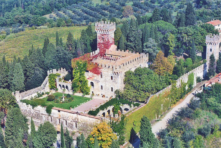 aerial view of the castle in tuscany for your fairytale wedding in Italy https://www.prestigeweddingsitaly.com/portfolio-items/fairytale-castle-in-tuscany-with-courtyard-ct04/