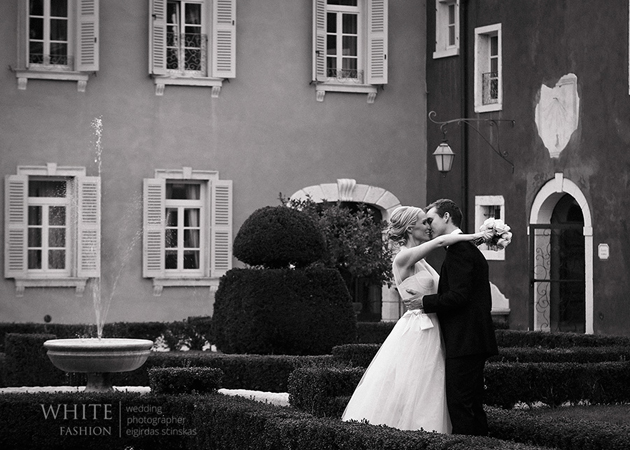 Real wedding in italy white fashion photographer