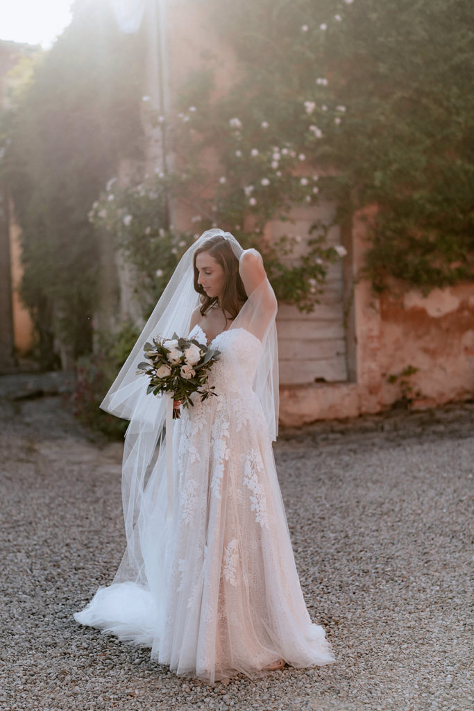 Elegant bridal bouquet for wedding in Tuscany