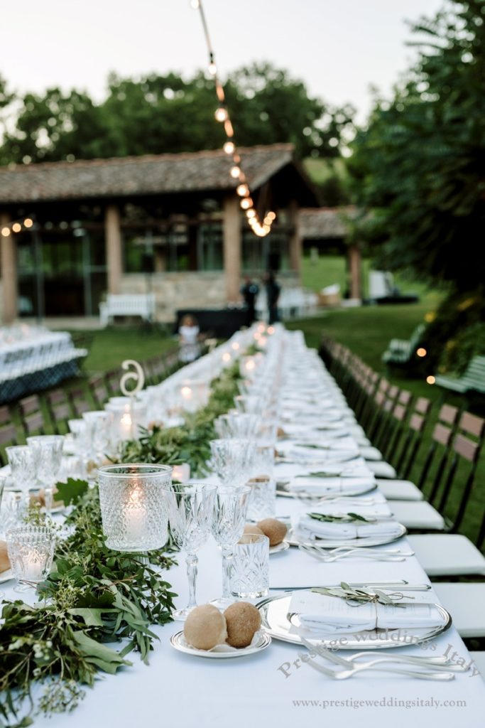 Long table wedding in Tuscany