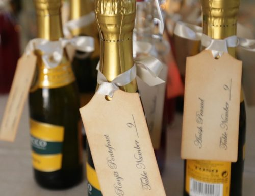 Prosecco minibottles wedding favors