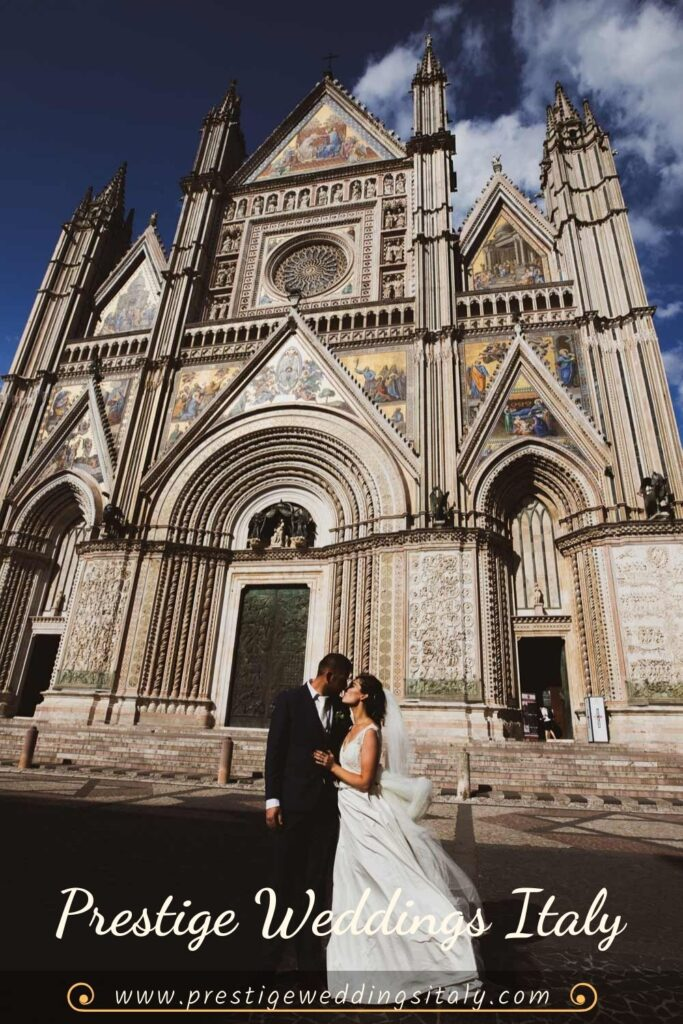 Wedding in Orvieto in front of the cathedral